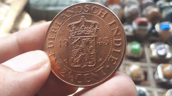 Uang koin kuno VOC milik pedagang di Sentra Antasari Banjarmasin