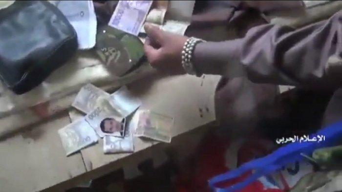 KTP Diduga Milik WNI Ditemukan Saat Penggeledahan Markas ISIS di Yaman