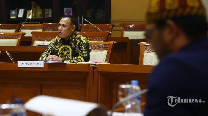 Calon pimpinan Komisi Pemberantasan Korupsi (KPK) Firli Bahuri menjalani uji kepatutan dan kelayakan di ruang rapat Komisi III DPR, Kompleks Parlemen, Senayan, Jakarta, Kamis (12/9/2019). Uji kelayakan dan kepatutan Capim KPK akan berlangsung selama dua hari yaitu pada 11-12 September 2019. TRIBUNNEWS/IRWAN RISMAWAN