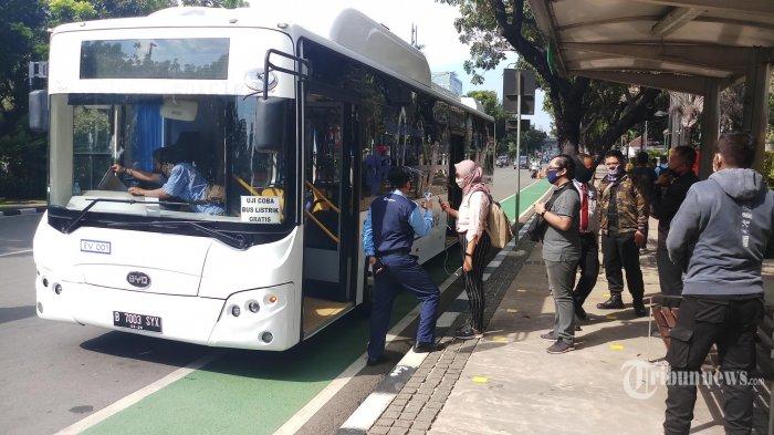 Transjakarta Mulai Beralih ke Bus Listrik, Gubernur Anies Targetkan 100 Unit Beroperasi Tahun Ini