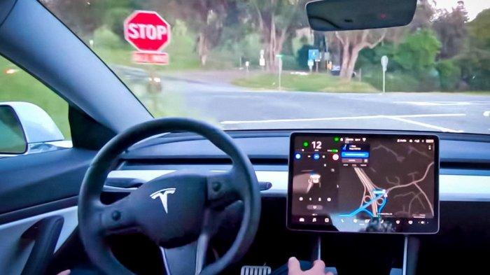 Tesla Rilis Software Self-Driving Versi Penuh dalam Mode Beta