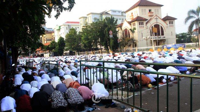 Cegah Penyebaran Corona, MUI Minta Umat Islam Tidak Saling Mengunjungi Seusai Salat Idul Fitri