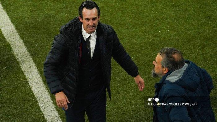 Pelatih Villarreal Spanyol Unai Emery (kiri) merayakan kemenangan timnya di akhir final sepak bola Liga Eropa UEFA 2021 antara Villarreal Spanyol dan Manchester United dari Inggris di Stadion Gdansk di kota Gdansk Polandia pada 26 Mei 2021.