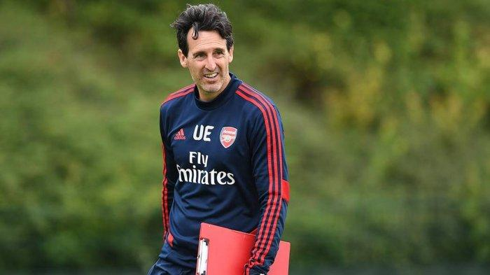 Unai Emery, Pelatih Arsenal, di sesi latihan jelang menjamu Bournemouth (https://www.arsenal.com)