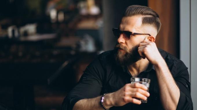 5 Model Rambut Pria Undercut yang Buat Kamu Makin Macho