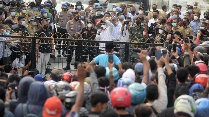 FAKTA Demo Warga Madura di Balai Kota Surabaya, Tolak Penyekatan di Jembatan Suramadu