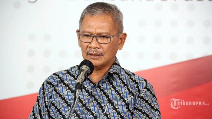 Juru Bicara Pemerintah untuk Penanganan COVID-19 Achmad Yurianto menyampaikan keterangan pers terkait updaet pandemik corona di kantor Gugus Tugas Percepatan Penanganan COVID-19, Jakarta, Sabtu (28/3/2020). Gugus Tugas Percepatan Penanganan COVID-19 mencatat hingga Sabtu, 28 Maret 2020, total positif COVID-19 di Indonesia sebanyak 1.155 kasus, sementara 59 orang sembuh dan 102 meninggal dunia. TRIBUNNEWS/HO/BNPB
