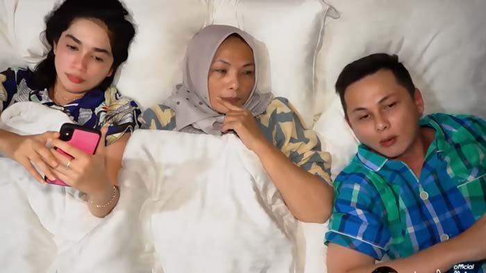 Ussy Sulistiawaty, mama mertua dan Andhika Pratama bahas soal tayangan TV yang pojokkan Ussy