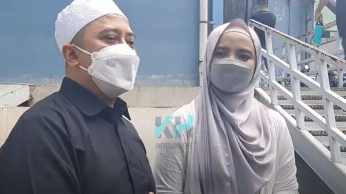 Ustaz Mansur dan Wirda Mansur