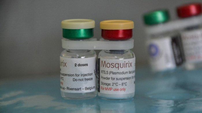 Vaksin malaria Mosquirix di rumah sakit di Yala, Kenya, pada 7 Oktober 2021.