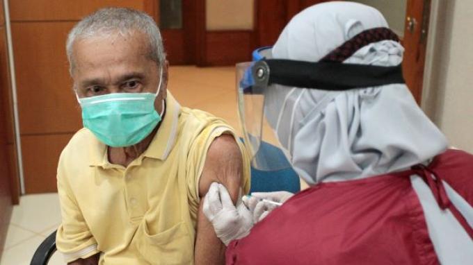 Vaksinasi Covid-19 untuk Lansia di Jaksel Capaian Lebih dari 75 Persen Target yang Ditetapkan