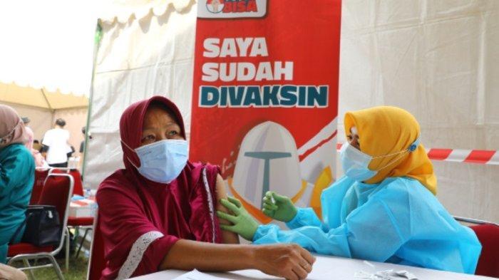 Warga Harapan Jaya di Bekasi Utara Antusias Ikut Vaksinasi Covid-19