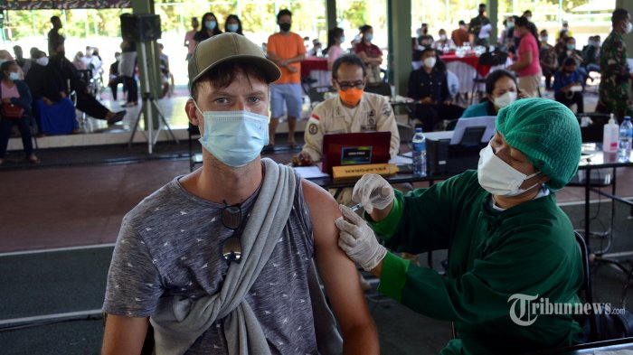 Jokowi: Vaksin Jangan Disimpan, Langsung Habiskan