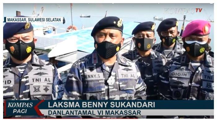 Vaksinasi di Atas Kapal Kepada Nelayan Makassar, Sulsel