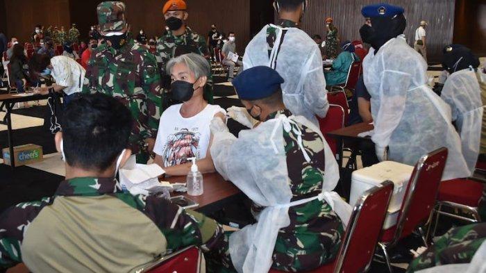 Panglima TNI Cek Vaksinasi Covid 10 Ribu Orang di JI Expo, Ratusan Vaksinator Dikerahkan