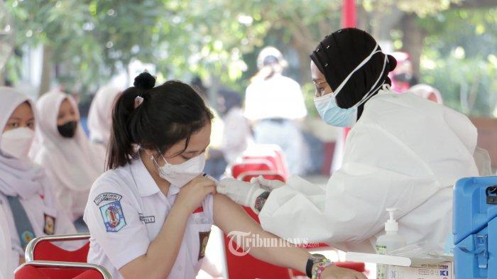 Wakil Ketua DPR: Vaksinasi Covid-19 Harus Diikuti Kedisiplinan Masyarakat Terapkan Prokes