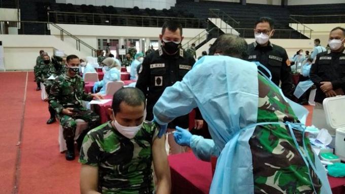 Hanya 0,2% Tenaga Kesehatan TNI yang Rasakan KIPI Ringan Pasca Vaksinasi Covid-19