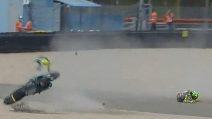 Valentino Rossi terjatuh di Sirkuit Assen MotoGP Belanda 2021, Minggu (27/6).