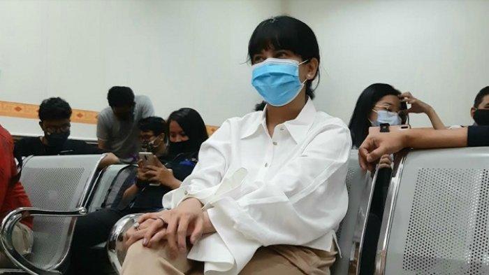 Vanessa Angel jalani sidang kasus kepemilikan dan penyalahgunaan psikotropika di Pengadilan Negeri (PN) Jakarta Barat, Senin (31/8/2020).