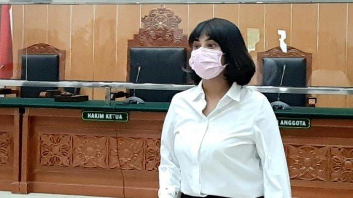 Vanessa Angel divonis 3 bulan penjara dan denda Rp 10 juta oleh hakim Pengadilan Negeri Jakarta Barat, Slipi, Jakarta Barat, Kamis (5/11/2020).