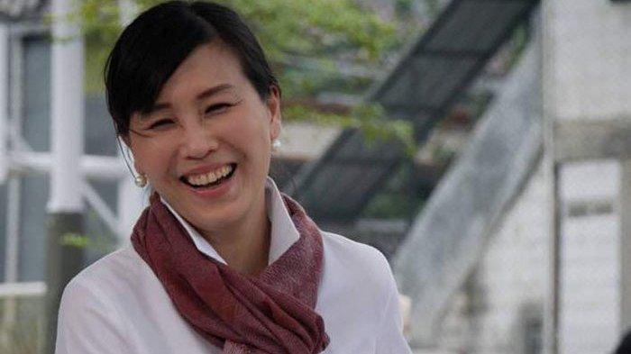 Senyum Veronica Tan saat Nonton Film 'A Man Called Ahok'