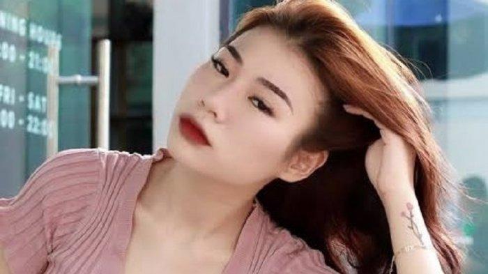 Vey Ruby Jane, Ya Selebgram Ya Model Vape Seksi, Dapat Julukan ini Dari Netizen