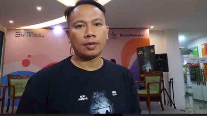 Vicky Prasetyo usai menggelar jumpa pers film perdananya di kawasan Matraman Jakarta Timur, Rabu (17/3/2021).