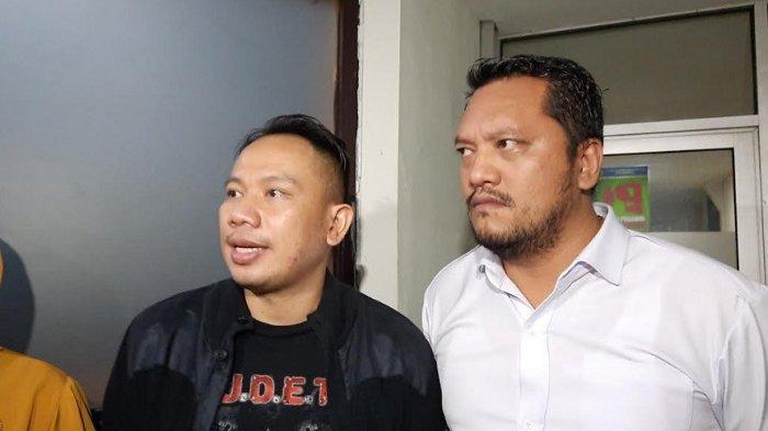 Vicky Prasetyo dan Ramdan Alamsyah usai persidangan di Pengadilan Negeri Jakarta Selatan, Rabu (4/11/2020).
