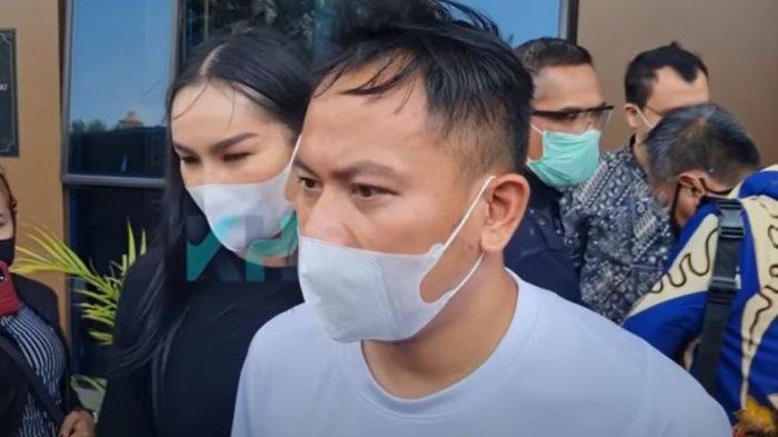Vicky Prasetyo dan Kalina Oktarani saat ditemui oleh awak media