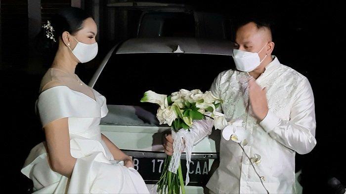 Tangis Kalina Ocktarani Pecah saat Jelaskan Penyebab Pernikahannya dengan Vicky Prasetyo Batal