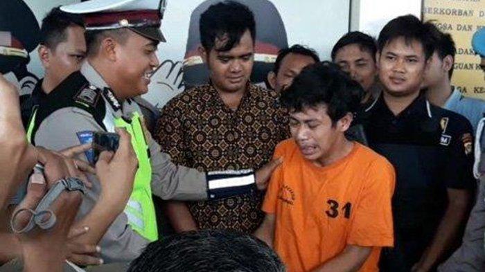 Sembari Mewek di Kantor Polisi, Adi Saputra Si Perusak Motor Usai Ditilang Minta Maaf : Saya Khilaf