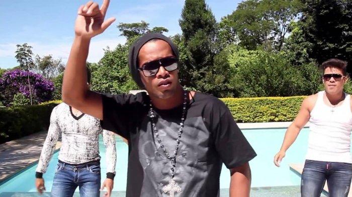 Dari Carlos Tevez Hingga Robin van Persie, Para Pemain Dunia yang Sempat Dirumorkan Gabung Persib
