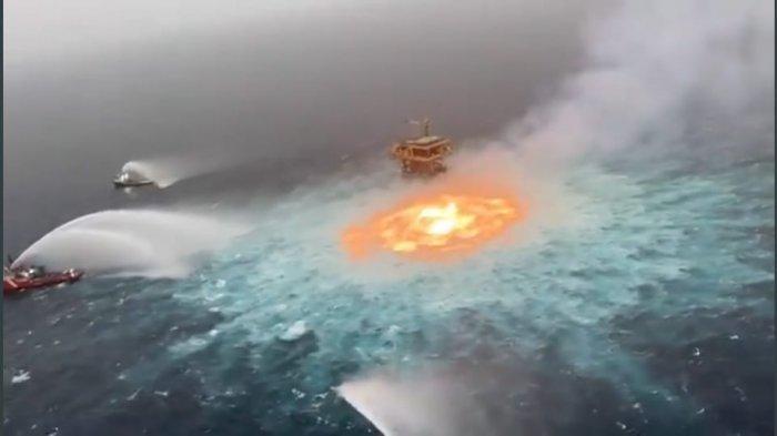 Video Viral Kebakaran di Perairan Meksiko, Butuh Lebih dari 5 Jam untuk Dipadamkan