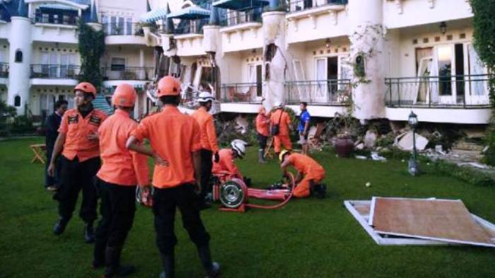 Lima Orang Jadi Korban Longsor di Villa Club Bali
