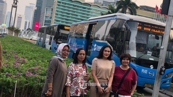 Empat Warga DKI Dapat Penghargaan dan Voucher Jaklingko dari Transjakarta