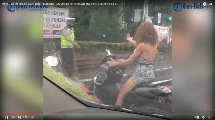 VIRAL Video Bule Tak Pakai Masker dan Helm, Hadang Pengendara Lain dan Tantang Polisi Adu Argumen