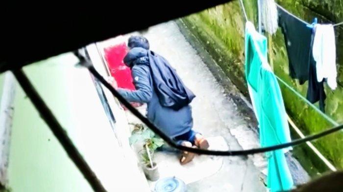 Viral Video Pria Misterius Mengintip Anak Kos Ganti Baju, Ini Pengakuan Korban