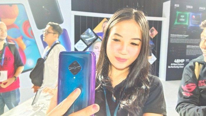 Selfie Dengan Kamera 32MP vivo S1 Pro
