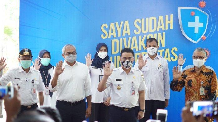 Wagub Riza Patria Tinjau Sentra Vaksinasi di Kampus, Ajak Warga Berobat Gratis Via Telemedicine
