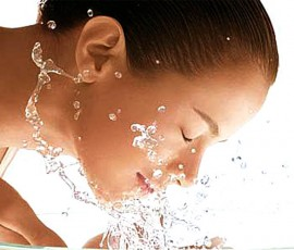 Jangan Dibuang, Ternyata Air Beras Ini Bikin Wajah Kamu Mulus dan Putih Berseri