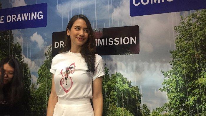 Wajah Pevita Pearce sumringah, saat mendapat kejutan ulang tahun di acara Indonesia Comic Con, di Jakarta Convention Center (JCC), Senayan, Jakarta Pusat, Minggu (13/10/2019).