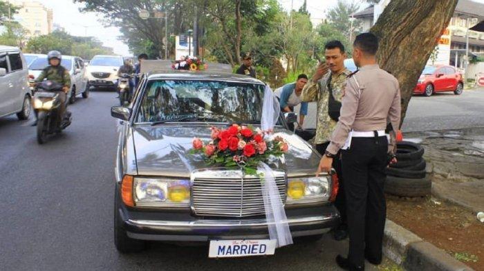 Cerita Mobil Pengantin Berplat 'MARRIED' Yang Lewat di Jalan Djunjunan Bandung
