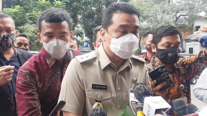 Wagub DKI Bawa Sejumlah Dokumen Saat Tiba di Polda Metro Jaya
