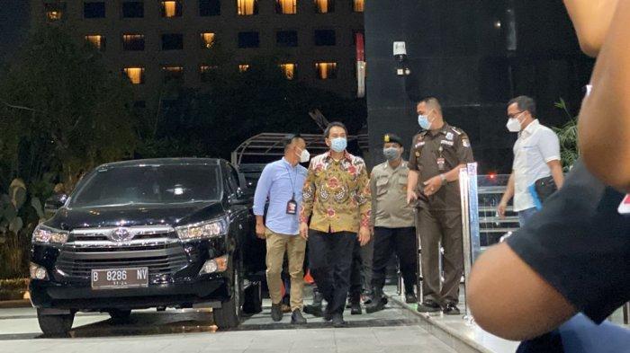 BERITA FOTO: Azis Syamsuddin Tiba di Gedung KPK - wakil-ketua-dpr-ri-azis-syamsuddin-tiba-di-ggg.jpg
