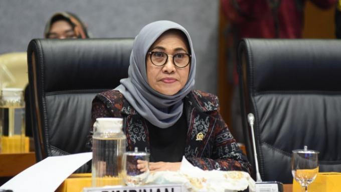 Hetifah Sambut Positif SKB Tiga Menteri Tentang Seragam Sekolah