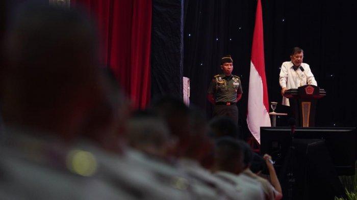 Wakil Presiden Jusuf Kalla (JK) memberikan 'Pembekalan kepada Calon Perwira Remaja (CAPAJA) TNI-POLRI Tahun 2019', di Gelanggang Olah Raga (GOR) Ahmad Yani, Mabes TNI, Cilangkap, Jakarta Timur, Senin (15/7/2019).