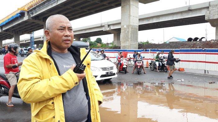 Dipanggil Jokowi ke Istana, Wali Kota Bekasi Rahmat Effendi cuma Pakai Kaos Oblong dan Sepatu Boots