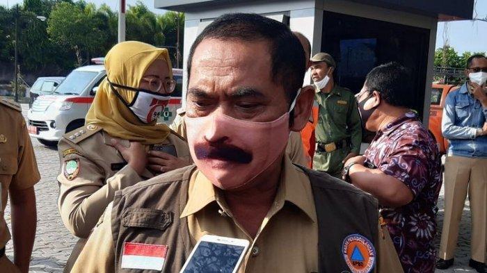 Wali Kota Solo FX Hadi Rudyatmo memakai masker berkumis sehingga terlihat seperti aslinya. Rudy memakai makser berkumis sehingga seperti aslinya setelah banyak warga yang mengajak dirinya foto bersama dan meminta melepas maskernya.