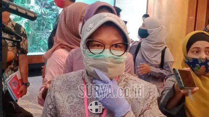 Wali Kota Surabaya Tri Rismaharini saat ditemui usai acara pengarahan Menkopolhukam selaku Wakil Ketua Pengarah Gugus Tugas Covid-19 kepada Gugus Tugas Covid-19 sekitar Surabaya Raya, Jumat (26/6/2020).