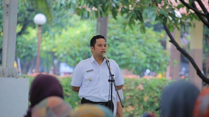 Wali Kota Tangerang, Arief R Wismansyah memimpin apel pegawai di lingkup Pemerintah Kota Tangerang